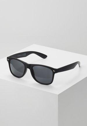 FREDRICK MATTE WAYFARER - Sluneční brýle - black