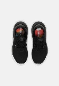 adidas Originals - NMD R1 PRIDE UNISEX - Matalavartiset tennarit - black/rainbow - 3