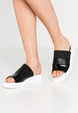 TAMAS - Pantofle - black