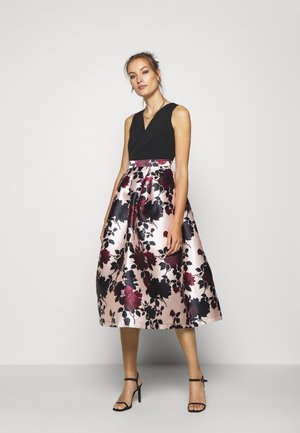 PLEATED SKIRT DRESS - Cocktailjurk - black