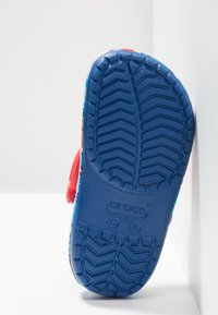 Crocs - PAW PATROL BAND RELAXED FIT - Pool slides - blue jean - 4