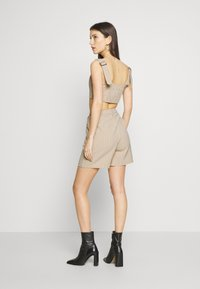 4th & Reckless - LAUREN TROUSER - Shorts - nude - 2