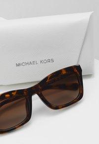 Michael Kors - STOWE - Sunglasses - dark tort - 2