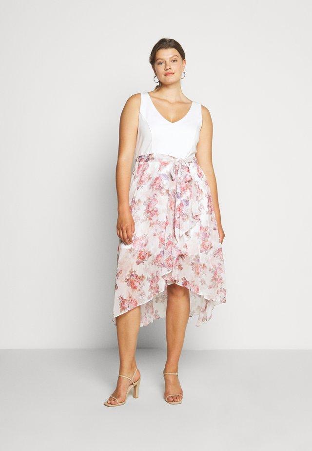 KENDRA V NECK CURVE DRESS - Kjole - pink