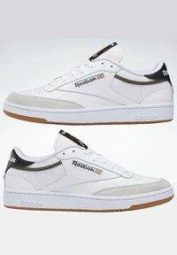 Reebok Classic - CLUB C 85 - Trainers - white - 9