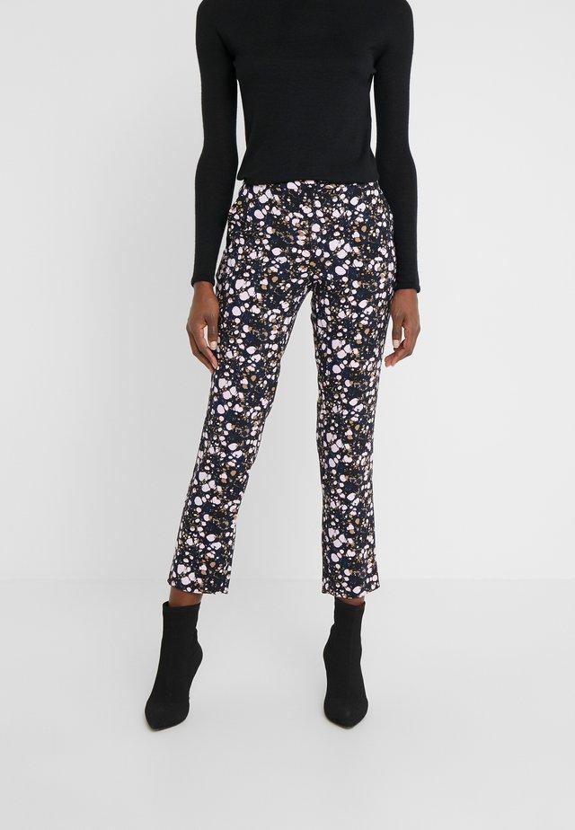 CAROL LOVELY PANTS - Pantalones - black
