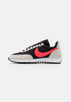 AIR TAILWIND 79 UNISEX - Trainers - black/flash crimson/light bone/white