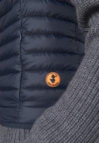 Save the duck - ADAM - Waistcoat - blue black - 5