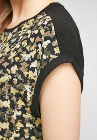 s.Oliver - Print T-shirt - black aop - 5
