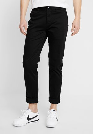 MOTT CLASSIC SLIM FIT - Pantalones chinos - black