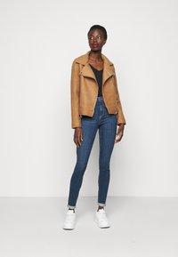 Vero Moda Tall - VMSOPHIA  - Jeans Skinny Fit - dark blue denim - 1