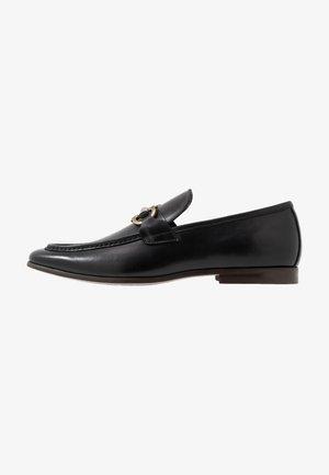 DAYWEN - Elegantní nazouvací boty - black