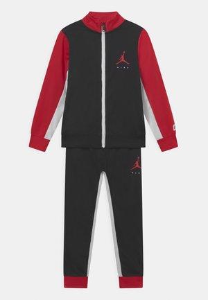 JUMPMAN SET - Trainingsanzug - black