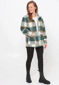Noella - VIKSA - Short coat - green camel - 1