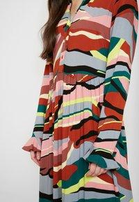 YAS - YASSAVANNA DRESS - Denní šaty - marsala/multi - 5