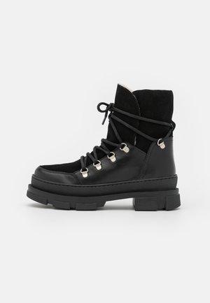 KIARA  - Zimní obuv - black