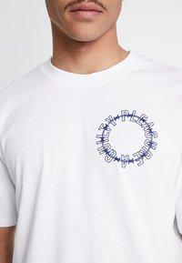 Edwin - ALTERED FANTASY - Print T-shirt - white - 4