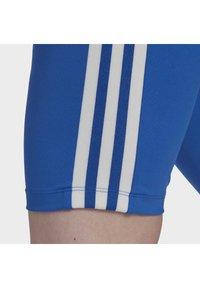 adidas Originals - ADICOLOR 3D TREFOIL SHORT TIGHTS - Shorts - blue - 4