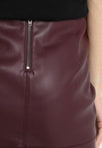 Vila - VIPEN - Pencil skirt - winetasting - 4