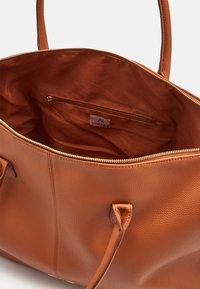 Anna Field - Weekend bag - cognac - 2