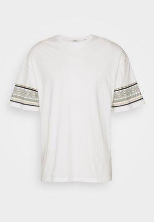 JPRTUSCAN TEE CREW NECK  - Printtipaita - blanc de blanc
