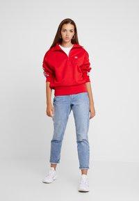 adidas Originals - ADICOLOR HALF-ZIP PULLOVER - Sweatshirt - scarlet - 1
