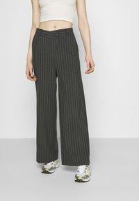 Weekday - LUXA SKEW TROUSERS - Trousers - grey - 0