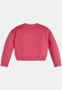 Guess - ICON-LOGO - Sweatshirt - rose - 1