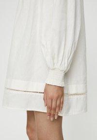PULL&BEAR - Korte jurk - white - 5
