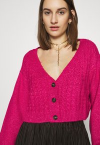 Who What Wear - WIDE NECK  - Cardigan - magenta - 5