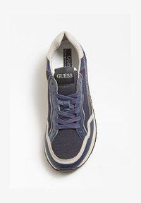 Guess - GENOVA - Sneakers basse - bleu - 1