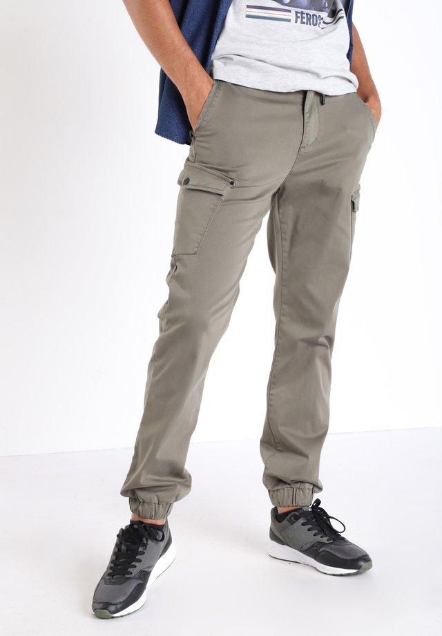 Pantaloni cargo - green khaki