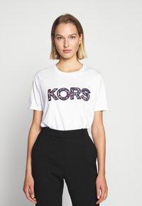MICHAEL Michael Kors - LOGO - Camiseta estampada - white - 0