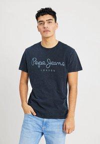 Pepe Jeans - ESSENTIAL TEE - Print T-shirt - 561indigo - 0