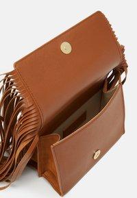 See by Chloé - TILDA FRINGE BAG - Handbag - caramello - 6