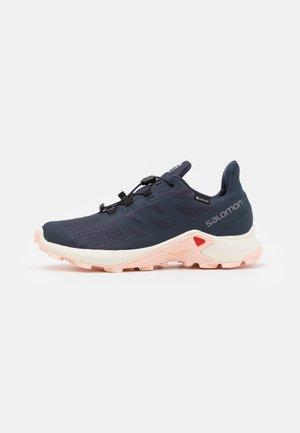 SUPERCROSS 3 GTX - Trail running shoes - india ink/vanilla/peachy keen