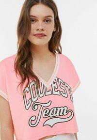 Bershka - Print T-shirt - pink - 3