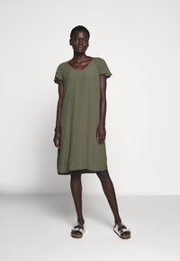 Bruuns Bazaar - LILLI FENIJA DRESS - Day dress - olive tree - 0