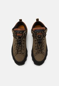 Timberland - TREELINE LOW - Casual lace-ups - brown - 3
