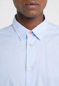 PS Paul Smith - SHIRT SLIM FIT - Formální košile - light blue - 6