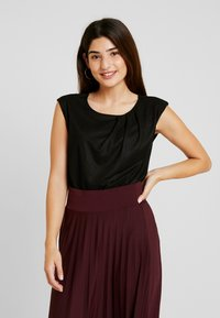 Anna Field Petite - Basic T-shirt - black - 0