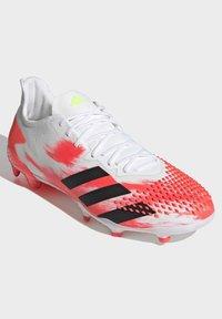 adidas Performance - PREDATOR 20.2 FG - Fotbollsskor fasta dobbar - ftwwht/cblack/pop - 5