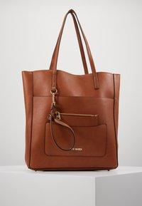 Steve Madden - BKIMMY SET - Tote bag - cognac - 0
