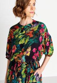 Ivko - TROPICAL MOTIF - Shirt dress - amazonas - 3