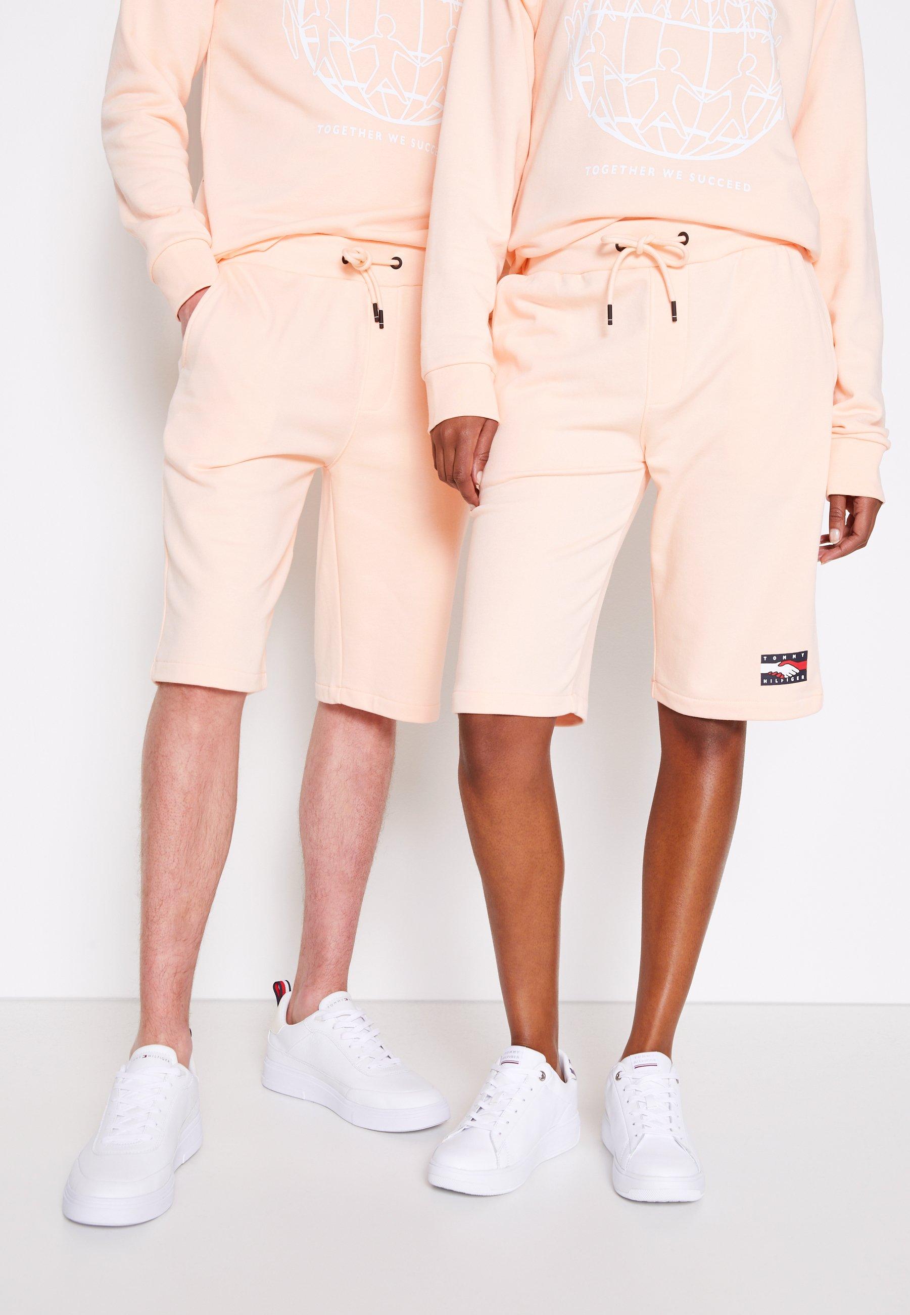 Women ONE PLANET UNISEX - Shorts