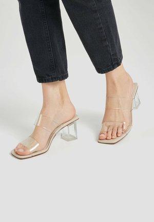 Sandály - transparent