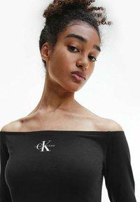 Calvin Klein Jeans - SLIM OFF SHOULDER TOP - Long sleeved top - ck black - 3