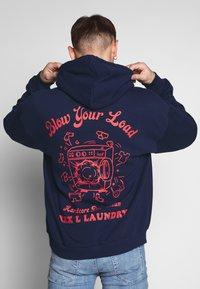 Revival Tee - BLOW YOUR LOAD - Bluza z kapturem - navy - 2