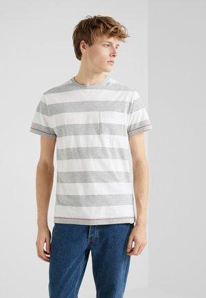 BLOCK TEE - Print T-shirt - white/grey