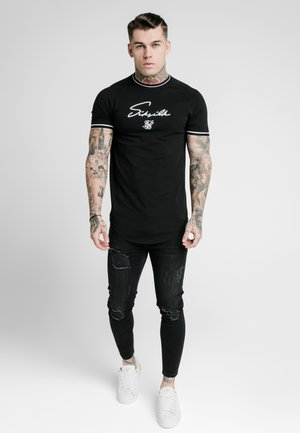 SIGNATURE PIPED TECH TEE - Print T-shirt - black